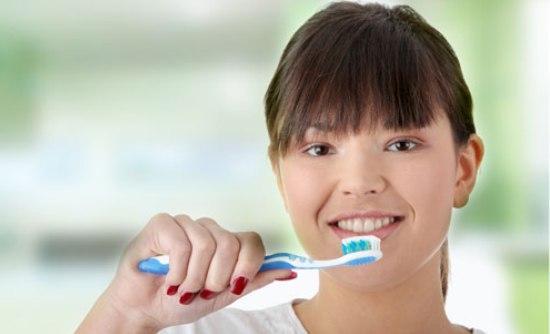 Βουρτσίστε τα δόντια, μειώστε την καρδιοπάθεια