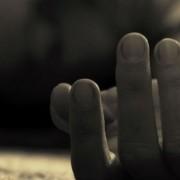 Κάνεις «κρακ» τα δάχτυλα σου; Δες γιατί πρέπει να το σταματήσεις