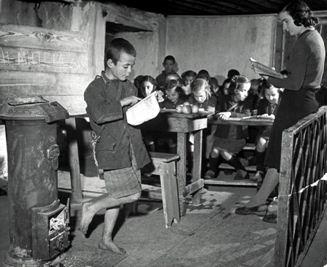 Π.Α.ΜΕ Γρεβενών: Με τις ΄΄Λευκές Εβδομάδες΄΄ θαρρούν πως μπορούν να κρύψουν τα μαύρα χάλια του σχολείου και της χώρας;