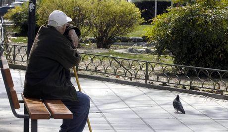 Συνταξιούχοι: Ηλεκτρονικά η αίτηση στον ΕΦΚΑ για τα αναδρομικά- Οι παγίδες