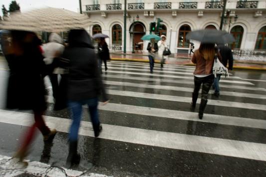Χαλάει ο καιρός από αύριο – Έρχονται βροχές και καταιγίδες – Χιόνια την Τρίτη στα ορεινά