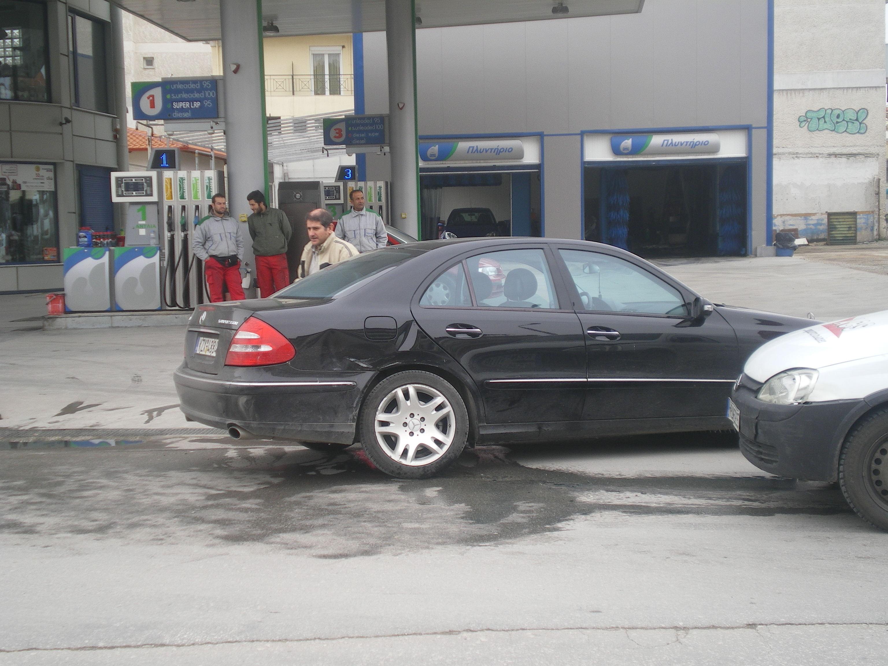 Κοζάνη: Τροχαίο, εντός της πόλης, με τον υποψήφιο Περιφερειάρχη Θοδωρή Καρυπίδη (Φωτογραφία)