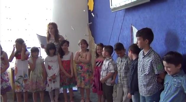 Σχολική γιορτή του Δημοτικού Σχολείου Μεγάρου (video – φωτογραφίες)