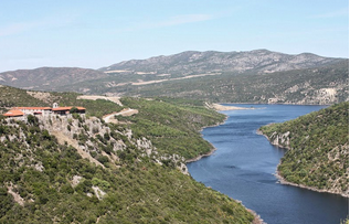 Πεζότητες και εμπόδια στη γέφυρα της Ζάβορδας- Ελάτης