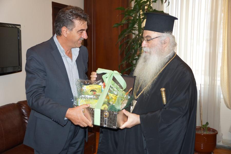 Εθιμοτυπική επίσκεψη από τον Τοποτηρητή Γρεβενών και Μητροπολίτη Καστοριάς κ.κ. Σεραφείμ  δέχθηκε  ο Δήμαρχος Γρεβενών κ. Γιώργος Δασταμάνης