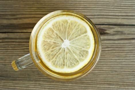 Γιατί όλοι το πρωί πρέπει να πίνουν ζεστό νερό με λεμόνι -Ενα φάρμακο για τα πάντα [λίστα]    \