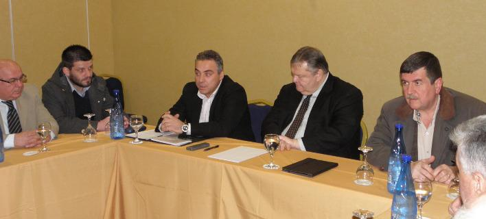 Ο πρόεδρος του ΠΑΣΟΚ, Ευάγγελος Βενιζέλος στην Καστοριά: Ολα κρέμονται από μια κλωστή