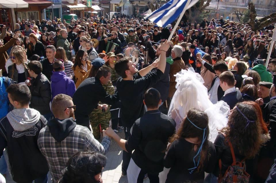 Απόκριες 2015: Οι οργανωτές , η μαθητιώσα νεολαία , οι Πολιτιστικοί Σύλλογοι των Γρεβενών και η Δημοτική Αρχή