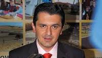 Ο Κασαπίδης δεν αφήνει το γάμο για να πάει για… πουρνάρια