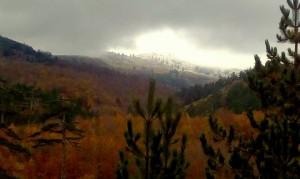 Τα πρώτα χιόνια έπεσαν σε Σαμαρίνα και Περιβόλι (φωτογραφίες)