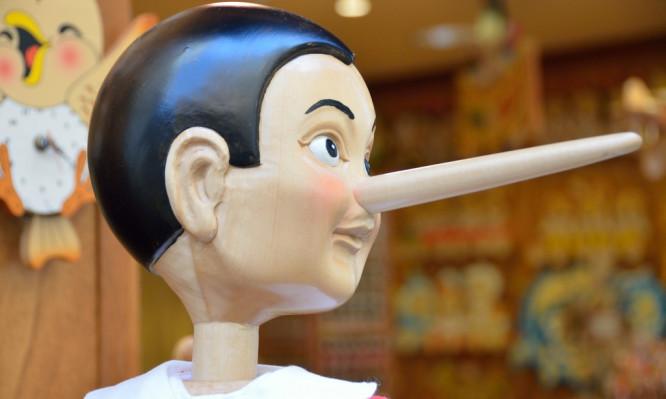 Πώς θα καταλάβετε πότε σας λέει ψέμματα: Λέξεις και φράσεις «κλειδιά»