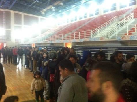 Κοζάνη: Σε γυμναστήριο 400 πρόσφυγες που είχαν προορισμό την Ειδομένη