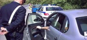 Αυτές είναι οι 7 σοβαρές παραβάσεις του ΚΟΚ για τις οποίες αφαιρείται το δίπλωμα και επανεξετάζεται ο οδηγός