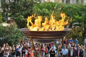 Τελετή αφής φλόγας της Λαμπαδηδρομίας στην κεντρική πλατεία των Γρεβενών