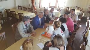 Επίσκεψη του Βουλευτή Γρεβενών Χρήστου Μπγιάλα και του Περιφερειακού Διευθυντή Εκπαίδευσης Κ. Κωνσταντόπουλου στους χώρους φιλοξενίας προσφύγων