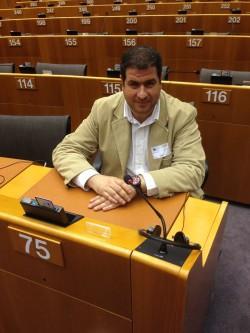 Το μέλος της Π.Ε. της Νέας Δημοκρατίας Θανάσης Σταυρόπουλος σας εύχεται Καλά Χριστούγεννα