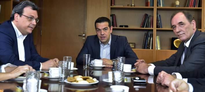 Συνάντηση Τσίπρα με τον Περιφερειάρχη Δυτικής Μακεδονίας Θεόδωρο Καρυπίδη για το θέμα της ΔΕΗ