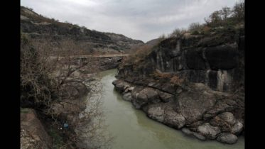 Ηλεκτροφωτισμός της Γέφυρας Βενέτικου Ποταμού επί της Ε.Ο. 15 Γρεβενά – Καλαμπάκα.148.423 €  για τη συντήρηση του οδικού ηλεκτροφωτισμού της Περιφέρειας Δυτικής Μακεδονίας
