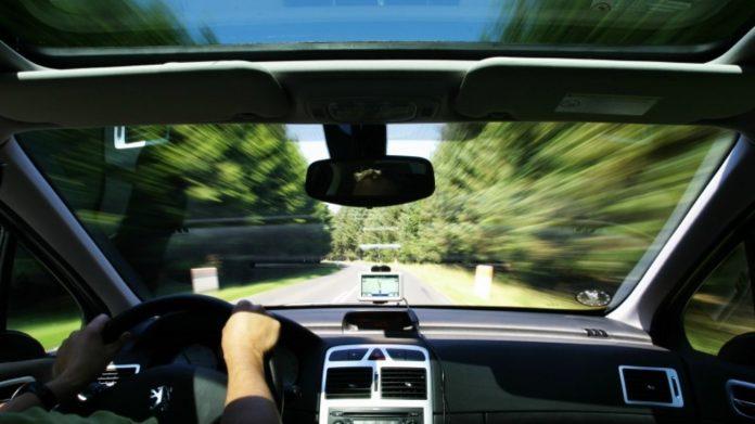 Αυτοκίνητο: «Χαράτσι» 108 ευρώ για τους ηλικιωμένους οδηγούς