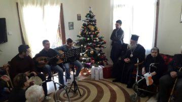 Παραμονή Χριστουγέννων στους Αγαλλαίους και το Γηροκομείο ο Μητροπολίτης Γρεβενών κ.κ. Δαβίδ