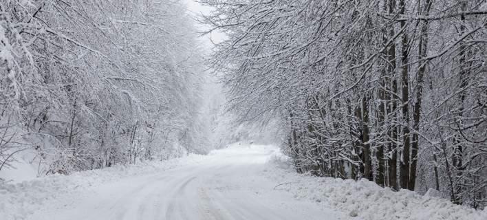 Στην κατάψυξη η χώρα -Πέφτει κι άλλο η θερμοκρασία, χιόνια, καταιγίδες