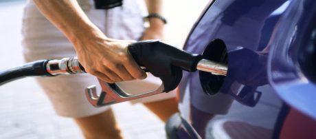 Νέες βενζίνες και ειδικές επισημάνσεις στα πρατήρια καυσίμων