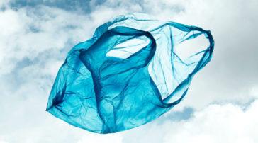 Τέλος οι φθηνές (με 4 λεπτά) σακούλες- Πόσο αυξάνεται η τιμή τους από 1η Ιανουαρίου