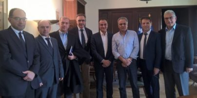 Συνάντηση Σκουρλέτη με προέδρους Περ. Συμβουλίων και Θ. Καρυπίδη