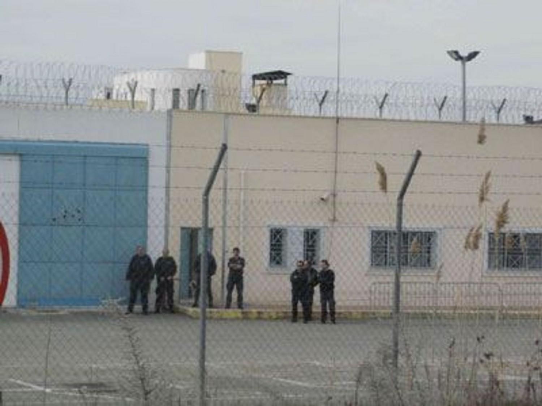 Προφυλακιστέοι στις φυλακές Γρεβενών οι δύο αστυνομικοί που συνελήφθησαν για διευκόλυνση διακίνησης μεταναστών