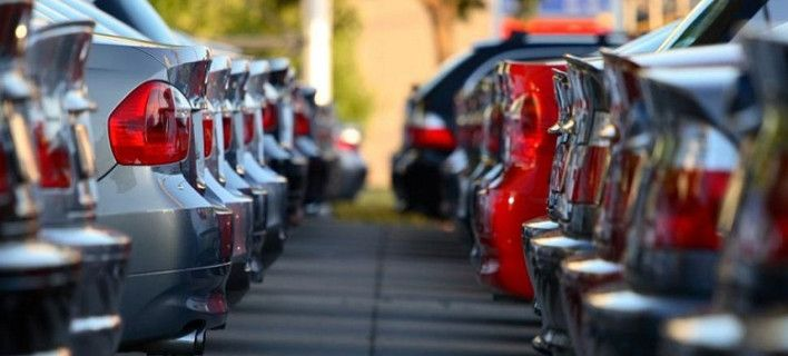 Έρχονται πρόστιμα στο Taxis για τα ανασφάλιστα ΙΧ