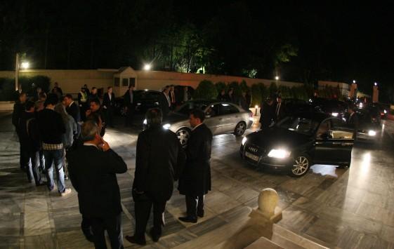"""Τα ονόματα των βουλευτών που επέστρεψαν τα """"βουλευτικά"""" αυτοκίνητα"""