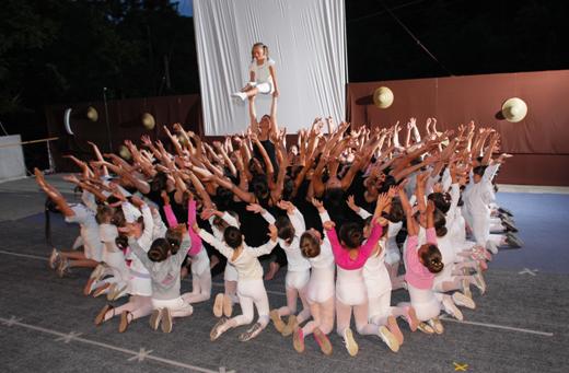 Ετήσια εκδήλωση γυμναστικής στο Καστράκι Γρεβενών από το γυμναστήριο ΄΄Home Place΄΄