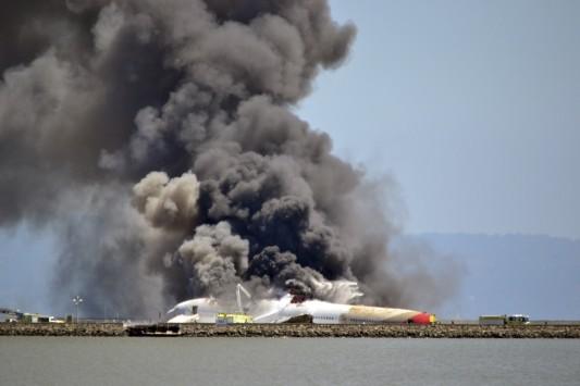 Καρέ καρέ η στιγμή της συντριβής του Boeing στο Σαν Φρανσίσκο (VIDEO)