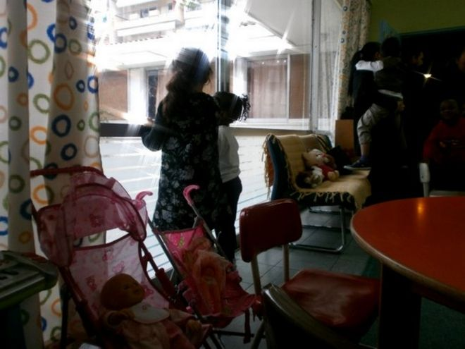 Η Ελλάδα σε κρίση: Αφήνουν τα παιδιά τους σε Νηπιοτροφείο γιατί δεν έχουν χρήματα να τα σιτίσουν