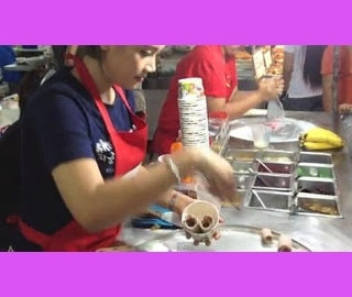 Απίστευτο!!Δείτε πως φτιάχνουν παγωτό στην Ταϊλάνδη!! (video)
