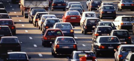 Χαράτσι δύο σε ένα για τους ιδιοκτήτες αυτοκινήτων: Τέλη Κυκλοφορίας και Φόρος Πολυτελείας μαζί