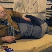 Στην Ουγγαρία οι άστεγοι θα πληρώνουν 500 ευρώ για να ζουν στους δρόμους