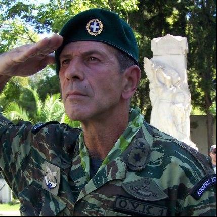 Aυτός είναι ο απόστρατος αξιωματικός που θέλει να κάνει πραξικόπημα με τους εφέδρους
