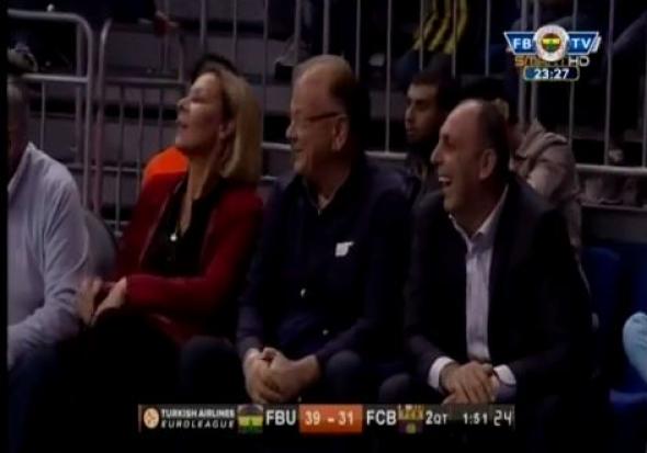 Ο Γρεβενιώτης μπασκετμπολίστας Κώστας Παπανικολάου στην αγκαλιά του Ίβκοβιτς video