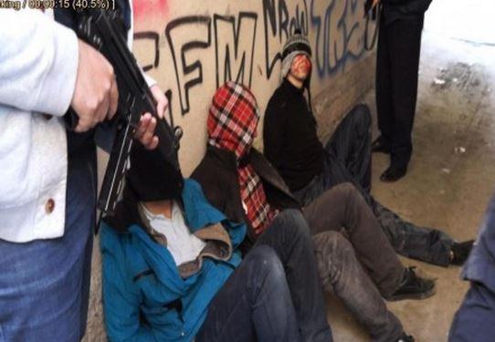 Το βούλευμα για τη διπλή ληστεία στο Βελβεντό – Η λεπτομερής περιγραφή των συμβάντων και οι κατηγορίες που έστειλαν στο εδώλιο έξι νεαρούς