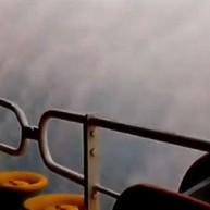 Πλοίο στη μέση της καταιγίδας -Η ψυχραιμία του καπετάνιου [βίντεο]