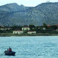 Το «νησί των τρελών»: Η βαριά ιστορία της νησίδας, μεταξύ Περάματος και Σαλαμίνας [εικόνες]