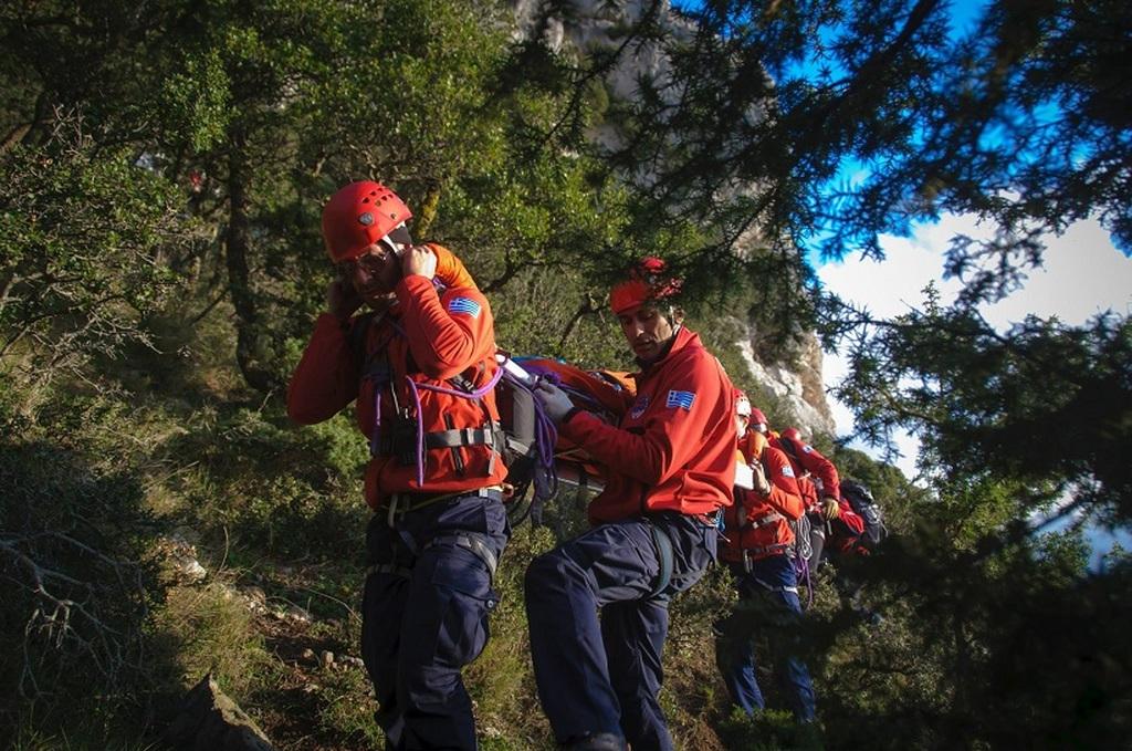 Η Ελληνική Ομάδα Διάσωσης στη σεισμόπληκτη Κεφαλονιά