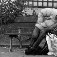 Ο Καμίνης ζητά από τους άστεγους βεβαίωση μόνιμης κατοικίας!!!