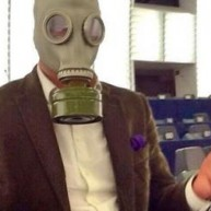 Με μάσκα χημικού πολέμου στο Ευρωκοινοβούλιο ο Γιώργος Χατζημαρκάκης!