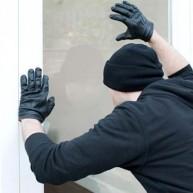 Πώς να προστατέψετε το σπίτι σας αν φύγετε για Πάσχα