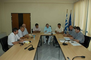 Τις συμβάσεις δύο έργων που αφορούν στην βελτίωση του εθνικού οδικού δικτύου των Περιφερειακών Ενοτήτων Καστοριάς και Γρεβενών, υπέγραψε ο Γιώργος Δακής.