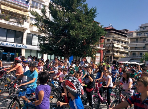 Με μεγάλη επιτυχία ολοκληρώθηκε η σημερινή ποδηλατοδρομία που διοργανώθηκε από το Δήμο Γρεβενών σε συνεργασία με την Ένωση Ποδηλατιστών (φωτογραφίες)