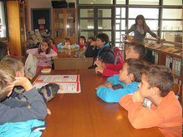 5o Δημοτικό Σχολείο Γρεβενών: Επίσκεψη στη βιβλιοθήκη