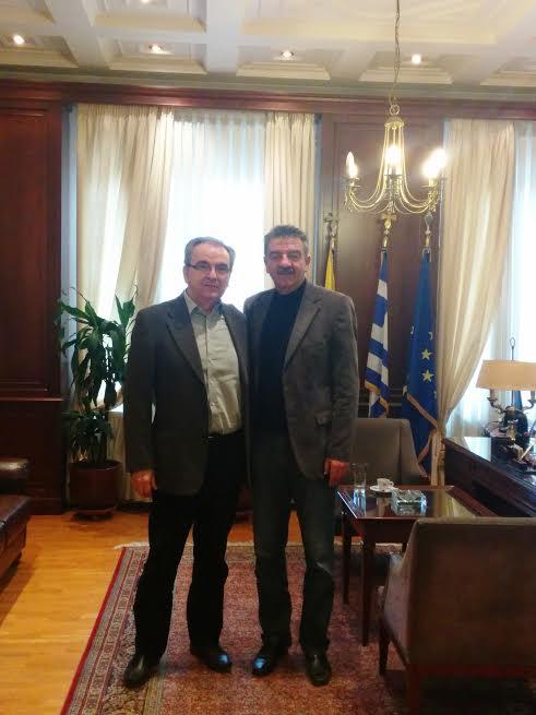 Επίσκεψη από το νέο Διοικητή του Γενικού Νοσοκομείου Γρεβενών κ. Δημήτρη Αμπάζη δέχθηκε στο γραφείο του σήμερα το πρωί ο Δήμαρχος Γρεβενών κ. Γιώργος Δασταμάνης